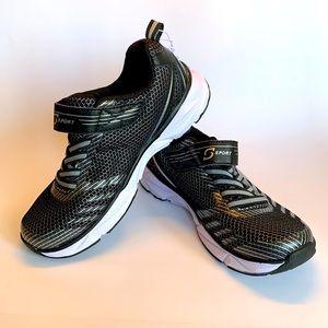 NEW S Sport Runners by Skechers